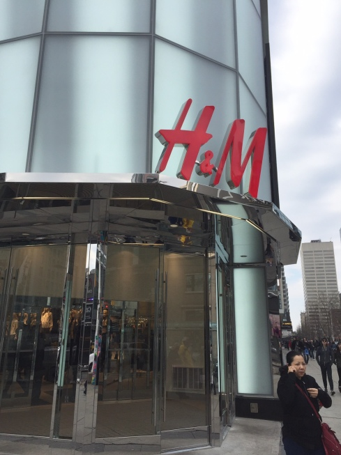 H&M_Home_Deptartment_Toronto_Entrance